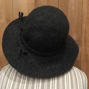 San Diego Hat Company Gray Wool Floppy Hat EUC